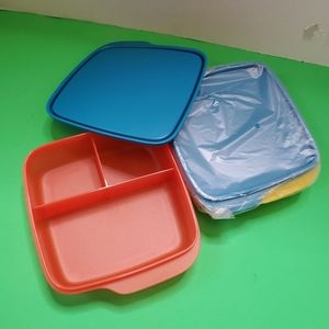 Tupperware containers set